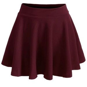 TILLYS maroon skater skirt